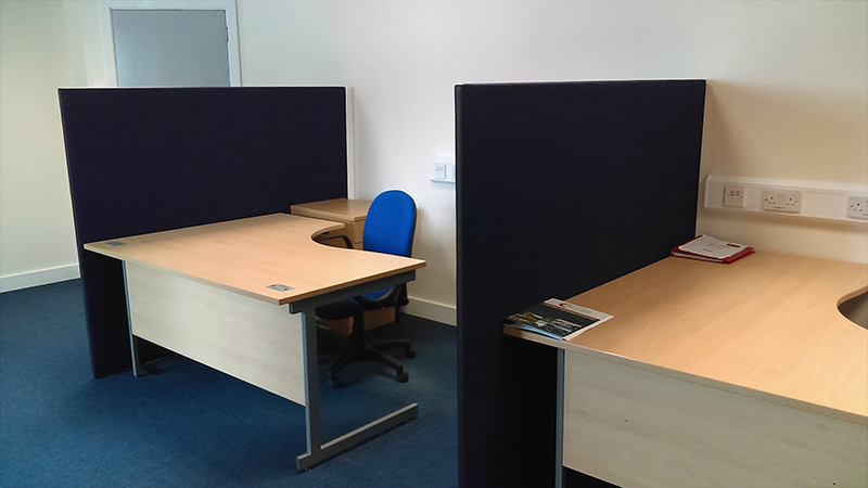 Portlaoise Enterprise Centre Hotdesk plain